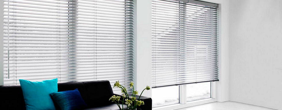 <h3>Blind Cleaning And Repair Service</h3>We provide a fast, efficient and professional service. Call us today!