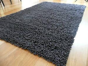 shag-floor-rug-brown